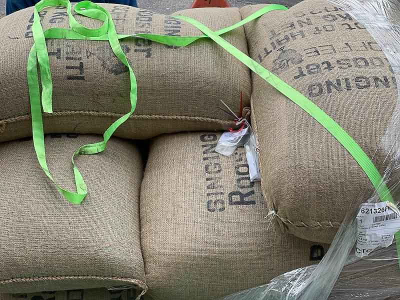 Café vert importé en Europe par SélectionsMacajoux